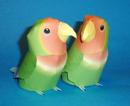 Papercraft imprimible y armable de dos Agapornios / Lovebird. Manualidades a Raudales.